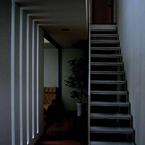 Hannochs_LED_Bulb_Motion-Sensor_Stairs_Main-Click-01