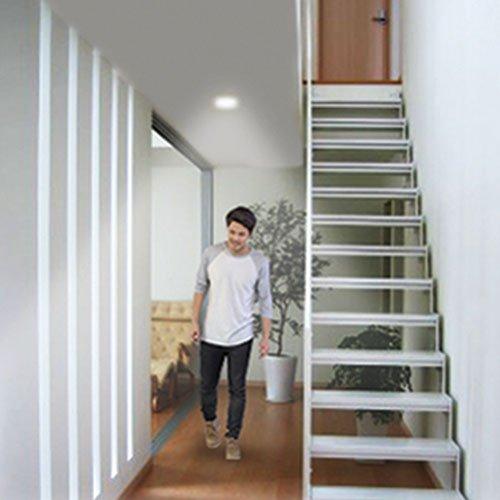 Hannochs_LED_Bulb_Motion-Sensor_Stairs_Main-Click-02
